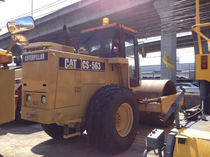 รถบบถนน CATERPILLAR