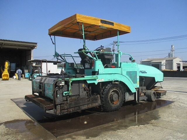 รถปูยาง รถทำถนน รถปูยางมะตอย รถทําถนนลาดยาง รถทําถนนลาดยางมะตอย รถทำถนนคอนกรีต รถปูยาง sumitomo และอื่นๆอีกมากมายที่บางกอกอ๊อคชั่น ถ.บางนา-ตราด กม.18 (ขาออก)